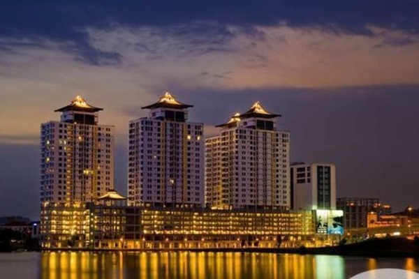 For Sale Condominium at The Heritage, Seri Kembangan Leasehold Fully Furnished 3R/2B 490k
