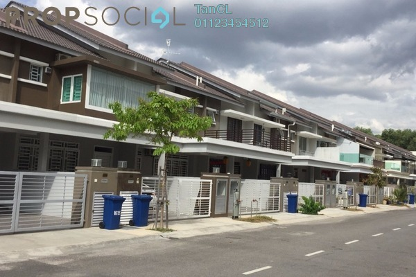 For Sale Terrace at Taman Bukit Kepayang, Seremban Freehold Unfurnished 4R/3B 655k