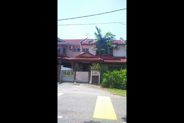 For Sale Terrace at Taman Lestari Putra, Bandar Putra Permai Leasehold Fully Furnished 4R/3B 455k