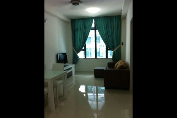 For Sale Apartment at Centrestage, Petaling Jaya Leasehold Semi Furnished 3R/2B 730k