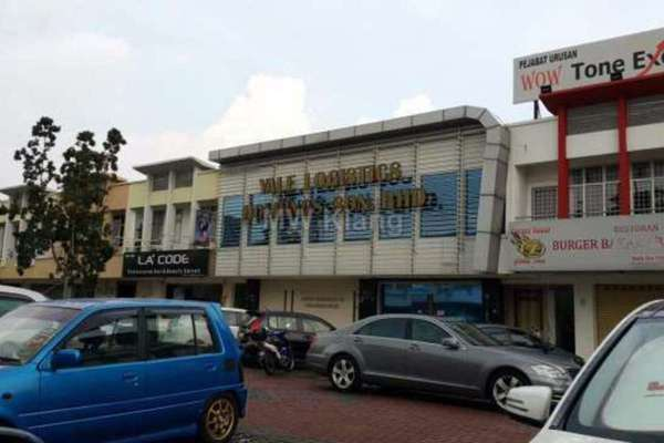 For Sale Shop at Ambang Botanic 1, Klang Freehold Semi Furnished 0R/1B 1.3m