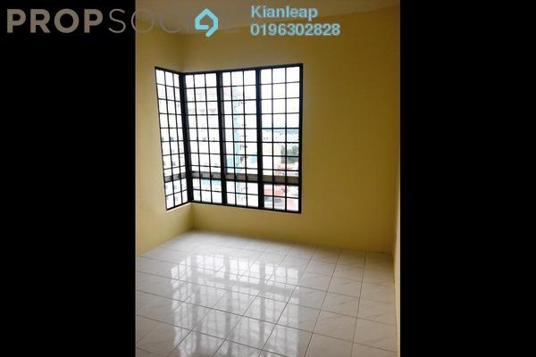 For Rent Apartment at Vista Serdang Apartment, Seri Kembangan Freehold Semi Furnished 3R/2B 900translationmissing:en.pricing.unit