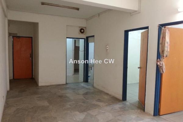 For Sale Office at Jalan Bandar, Pusat Bandar Puchong Freehold Unfurnished 0R/1B 333k