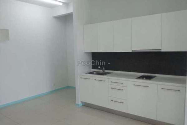 For Sale Condominium at Cascades, Kota Damansara Leasehold Semi Furnished 1R/1B 500k