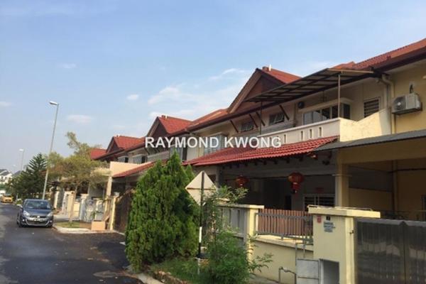 For Sale Terrace at Taman Prima Tropika, Bandar Putra Permai Leasehold Unfurnished 4R/3B 730k