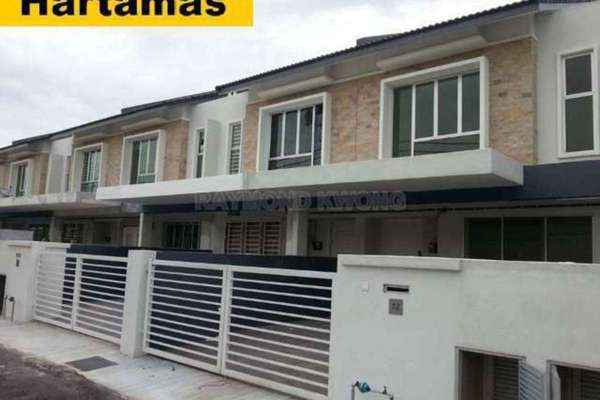 For Sale Terrace at Paragon 129, Bandar Putra Permai Leasehold Unfurnished 4R/3B 680k