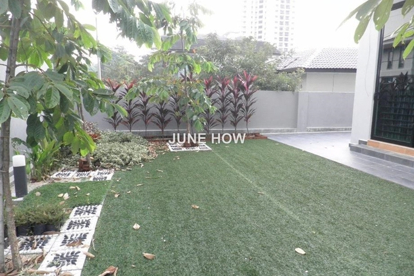 For Sale Bungalow at Section 12, Petaling Jaya Leasehold Unfurnished 7R/8B 4m