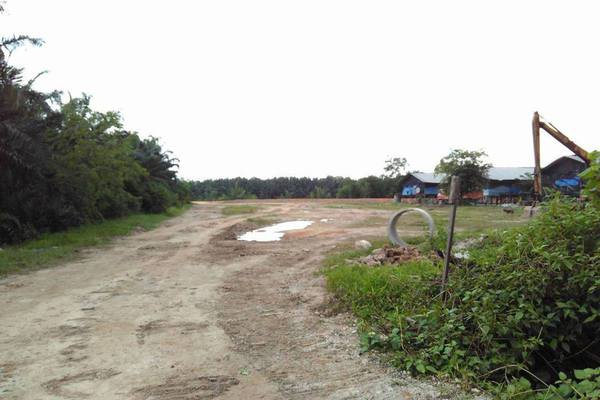 For Sale Land at Telok Mengkuang, Telok Panglima Garang Freehold Unfurnished 0R/0B 2.2百万