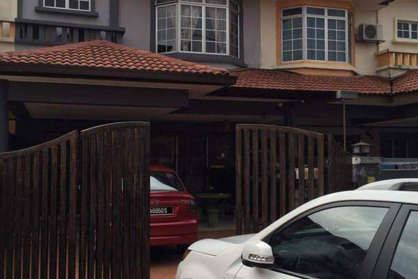 For Sale Terrace at Mutiara Puchong, Puchong Leasehold Semi Furnished 4R/3B 835k