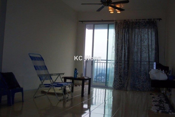 For Sale Condominium at Ken Damansara III, Petaling Jaya Freehold Semi Furnished 3R/2B 625k