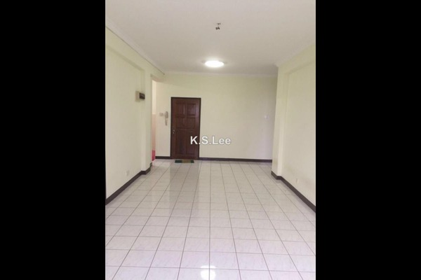 For Sale Condominium at Elaeis 1, Bukit Jelutong Freehold Unfurnished 3R/2B 400k