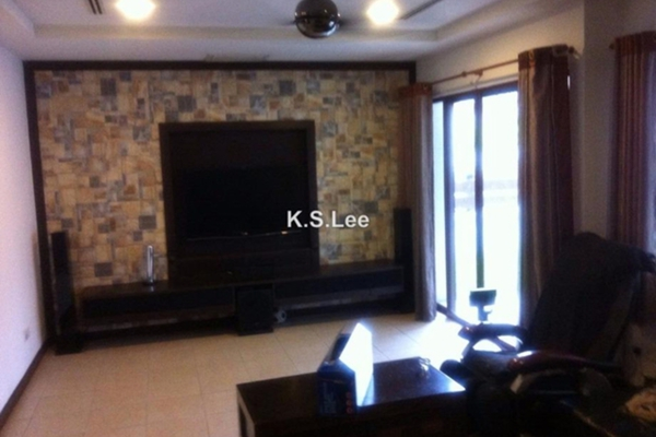 For Sale Terrace at Lagenda 2, Bukit Jelutong Freehold Semi Furnished 6R/6B 1.6m