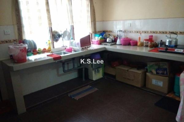 For Sale Terrace at Rawang Perdana 1, Rawang Freehold Semi Furnished 4R/3B 395k