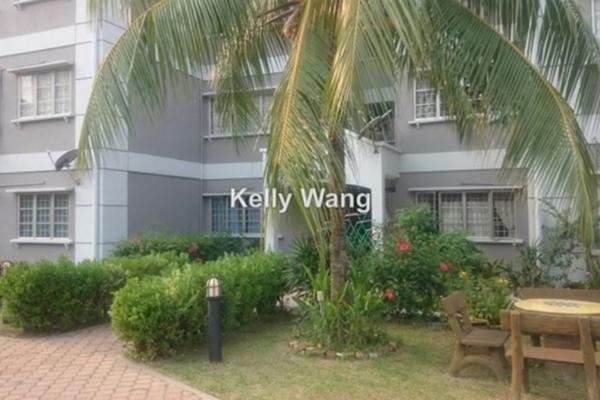 For Sale Apartment at USJ 22, UEP Subang Jaya Freehold Semi Furnished 3R/2B 460k