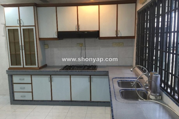 For Rent Terrace at SS17, Subang Jaya Freehold Semi Furnished 4R/3B 1.8k