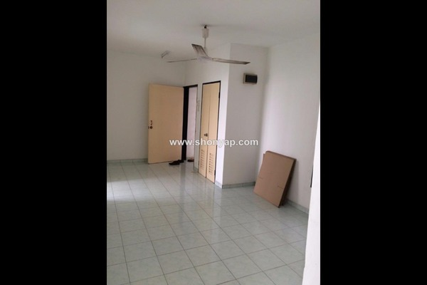 For Rent Apartment at Sri Tanjung Apartment, UEP Subang Jaya Freehold Unfurnished 3R/2B 750translationmissing:en.pricing.unit