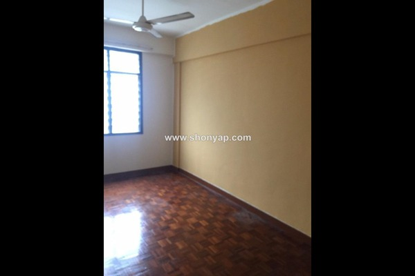 For Rent Apartment at Goodyear Court 7, UEP Subang Jaya Freehold Semi Furnished 3R/2B 1.3k