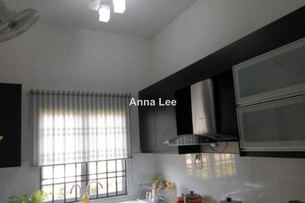 For Sale Terrace at Section 16, Shah Alam Leasehold Semi Furnished 4R/3B 698k