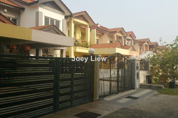 For Sale Terrace at Taman Tasik Prima, Puchong Leasehold Unfurnished 4R/2B 638k