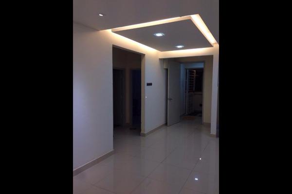 For Sale Condominium at Koi Kinrara, Bandar Puchong Jaya Freehold Semi Furnished 5R/4B 695k