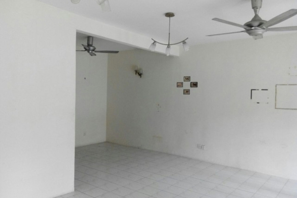For Sale Terrace at BP11, Bandar Bukit Puchong Freehold Unfurnished 4R/3B 648k