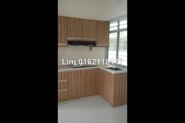 For Rent Apartment at Main Place Residence, UEP Subang Jaya Leasehold Semi Furnished 1R/2B 1.3k
