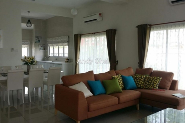 For Sale Townhouse at Bayan Villa, Seri Kembangan Freehold Unfurnished 4R/3B 790k
