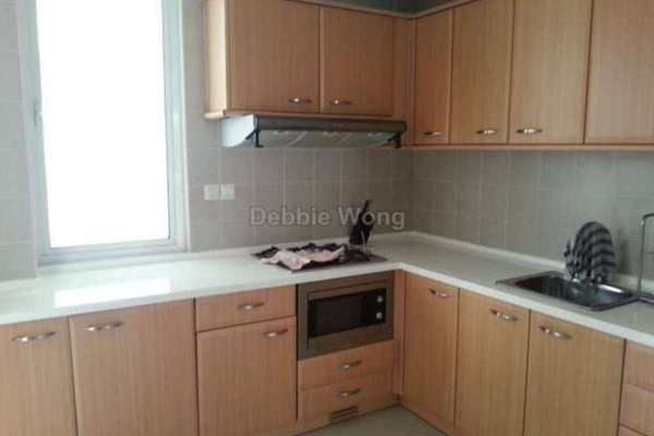 For Sale Serviced Residence at Bintang Goldhill, KLCC Leasehold Fully Furnished 3R/3B 990k