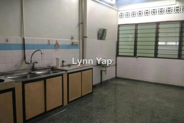 For Sale Link at Taman Palm Grove, Klang Leasehold Semi Furnished 4R/2B 320k