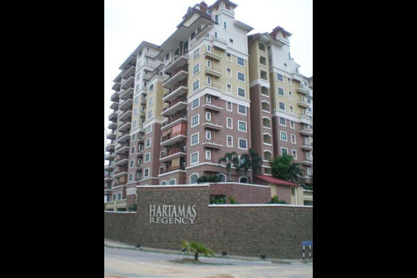 For Sale Condominium at Hartamas Regency 2, Dutamas Freehold Semi Furnished 2R/2B 770k