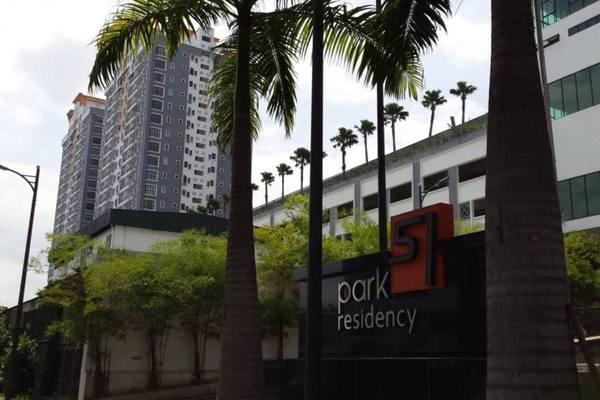 For Sale Condominium at Park 51 Residency, Petaling Jaya Leasehold Semi Furnished 3R/2B 620k