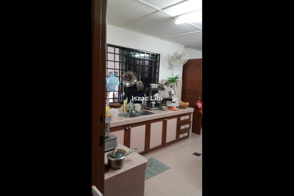 For Sale Bungalow at Taman Seputeh, Seputeh Freehold Unfurnished 6R/8B 4.6m