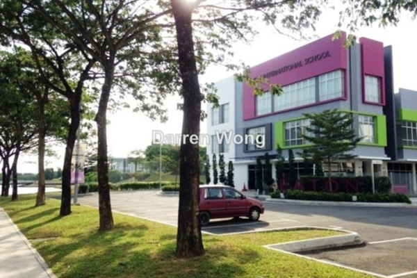 For Sale Shop at Jade Hills, Kajang Leasehold Unfurnished 0R/1B 2.88m