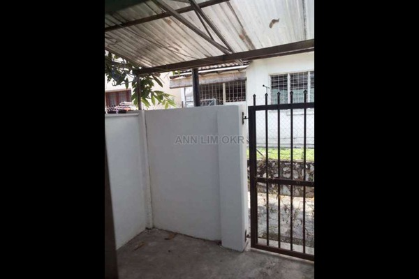 For Sale Terrace at USJ 4, UEP Subang Jaya Freehold Semi Furnished 4R/3B 820k