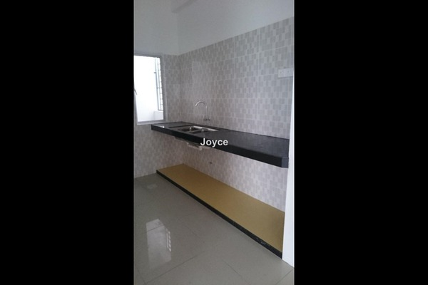 For Rent Condominium at Mahkota Garden Condominium, Bandar Mahkota Cheras Leasehold Semi Furnished 4R/3B 1.5k