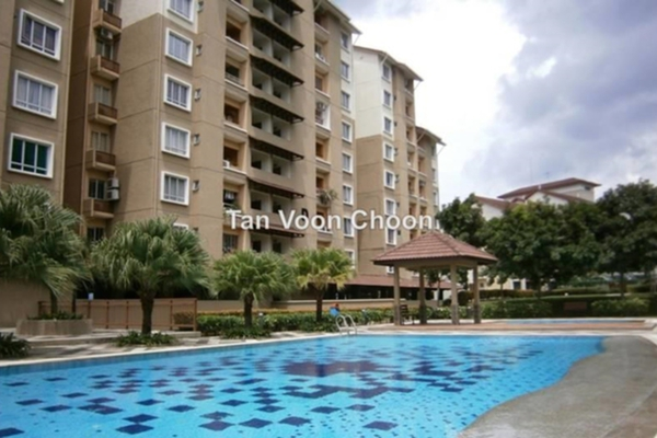 For Sale Condominium at Paradesa Tropika, Bandar Sri Damansara Leasehold Semi Furnished 3R/2B 550Ribu