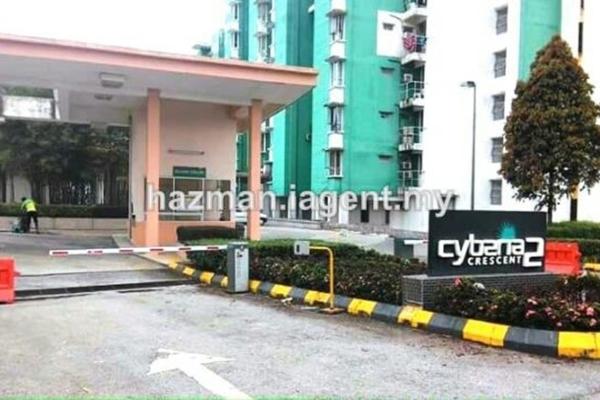 For Sale Condominium at Cyberia Crescent 2, Cyberjaya Leasehold Unfurnished 3R/2B 350k
