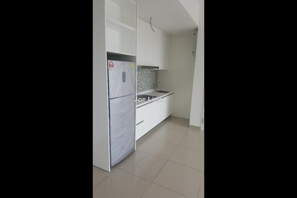 For Sale Condominium at Paramount Utropolis, Glenmarie Leasehold Semi Furnished 1R/2B 493k