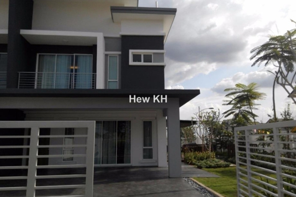 For Sale Superlink at Ridgeview Residences, Kajang Freehold Unfurnished 4R/3B 835k