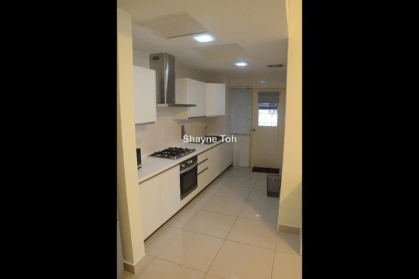 For Rent Serviced Residence at Solaris Dutamas, Dutamas Leasehold Semi Furnished 1R/1B 3.2k