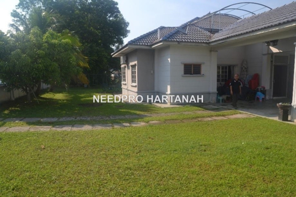 For Sale Bungalow at Lavender Heights, Senawang Freehold Unfurnished 3R/2B 720k