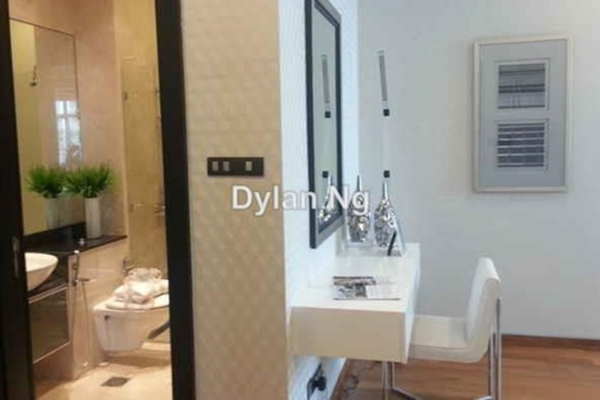 For Sale Condominium at The Pearl, KLCC Leasehold Unfurnished 4R/5B 3.97m