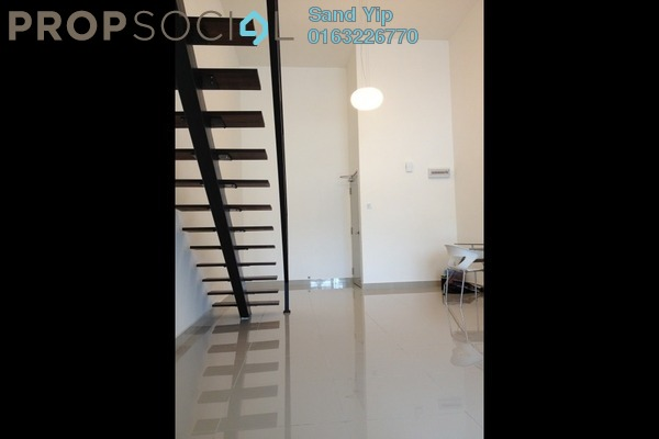 For Sale Condominium at Subang SoHo, Subang Jaya Freehold Semi Furnished 1R/1B 420k