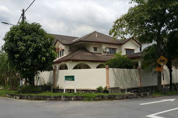 For Sale Semi-Detached at Section 9, Shah Alam Leasehold Semi Furnished 5R/4B 1.55m