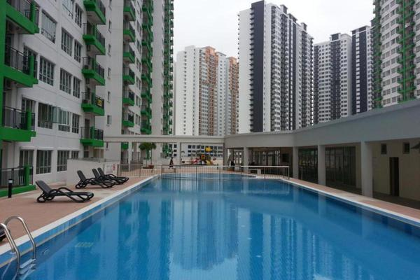 For Sale Condominium at Koi Tropika, Puchong Leasehold Semi Furnished 2R/1B 320k