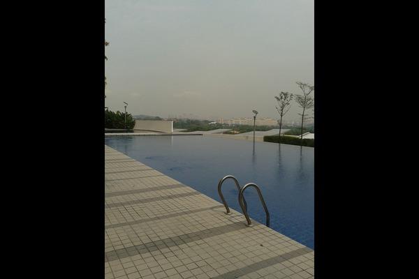 For Rent Condominium at The Zest, Bandar Kinrara Freehold Semi Furnished 3R/2B 1.3k