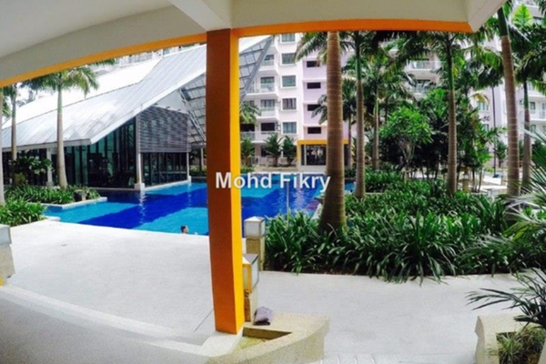 For Sale Condominium at Indah Alam, Shah Alam Leasehold Semi Furnished 3R/2B 465k