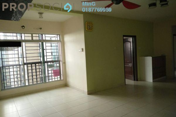For Sale Condominium at Villa Park, Seri Kembangan Freehold Semi Furnished 3R/2B 400k