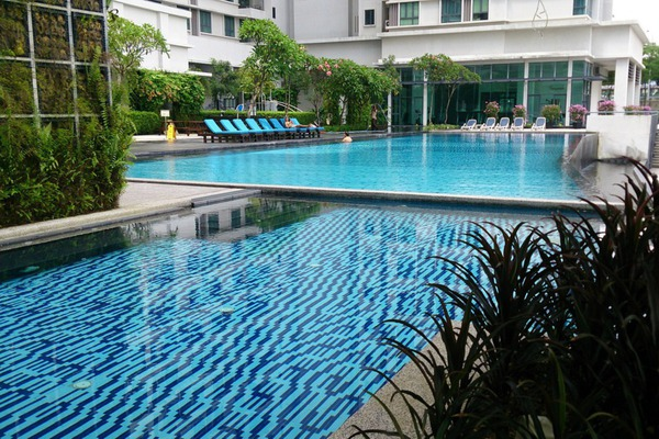 For Sale Condominium at Nautica Lake Suites @ Sunway South Quay, Bandar Sunway Leasehold Fully Furnished 3R/2B 980k