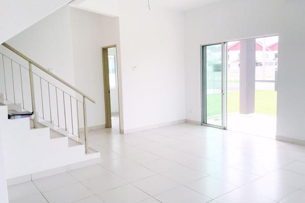 For Sale Terrace at Taman Pelangi Semenyih, Semenyih Freehold Unfurnished 4R/3B 502k